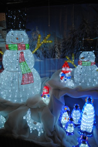 Light up snowmen!? Yes please